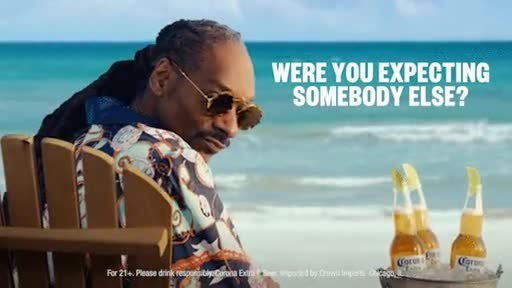 Corona and Snoop Dogg Welcome You to La Vida Más Fina