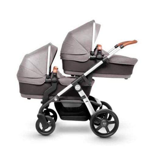 Silver Cross Wave can easily transform into 16 different stroller configurations with the purchase of additional accessories such as a color-coordinated tandem seat and bassinet.
