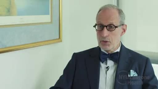 Dr. Jeffrey Weber explains the key findings of an international clinical trial comparing nivolumab and ipilimumab, which show the superiority of nivolumab in effectiveness and safety.