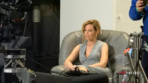Behind the scenes with Elizabeth Banks at the realtor.com ad shoot.