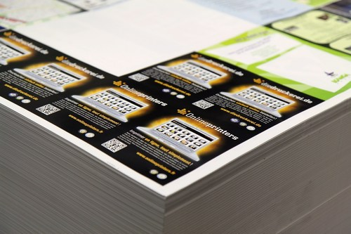 Flyers on a so-called combined-run form Copyright: Onlineprinters GmbH (PRNewsFoto/Onlineprinters GmbH)