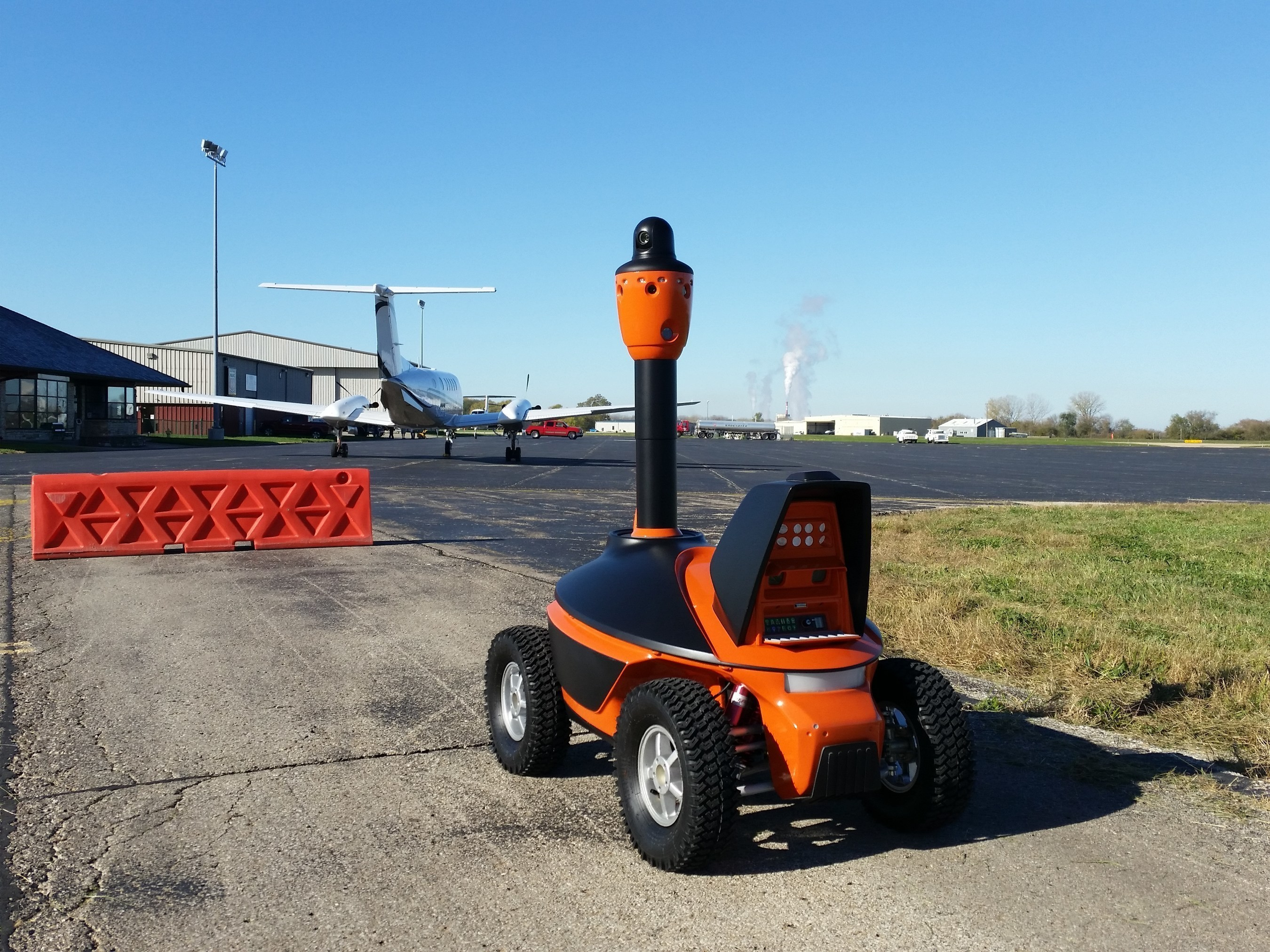 S5 Security Robot by SMP Robotics