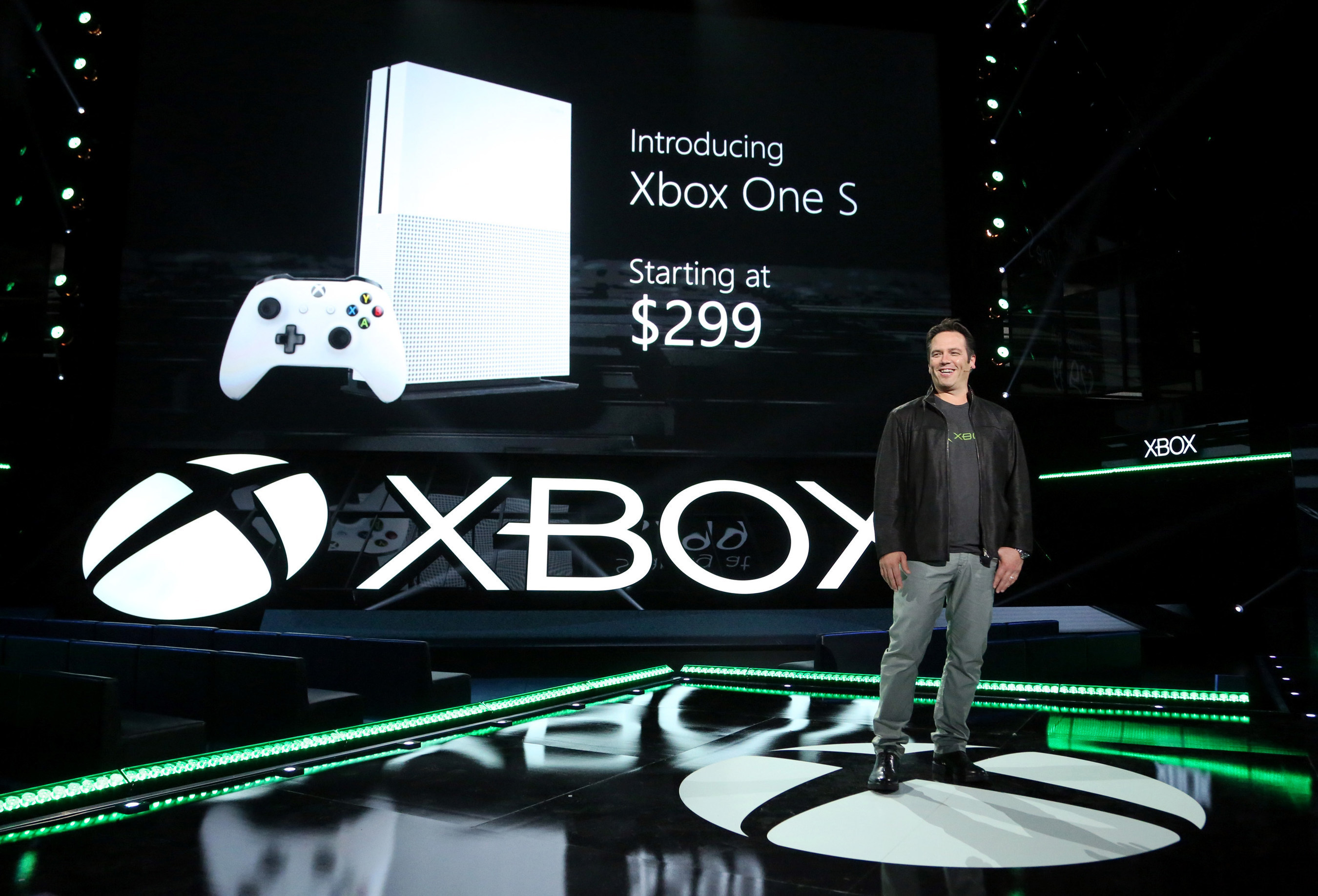 Microsoft debuts new Xbox One family of devices, Xbox Live features and biggest lineup of games in Xbox history.