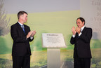 The opening ceremony at BorgWarner's new production plant in Lanheses, Viana do Castelo, Portugal, was attended by Brady Ericson, President and General Manager, BorgWarner Emissions Systems (left), and Paulo Portas, Deputy Prime Minister of Portugal (right).