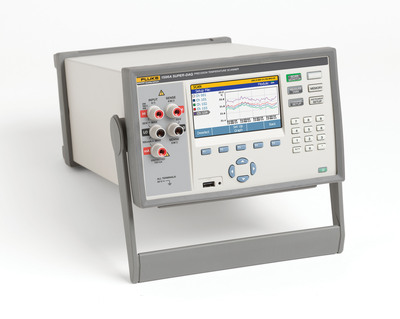 With the flexibility of both internal and external input modules, the Fluke Calibration 1586A is designed for use both on the factory floor where channel count and scan speeds are important, and in the calibration laboratory where accuracy and quick input connections are required. (PRNewsFoto/Fluke Calibration) (PRNewsFoto/FLUKE CALIBRATION)