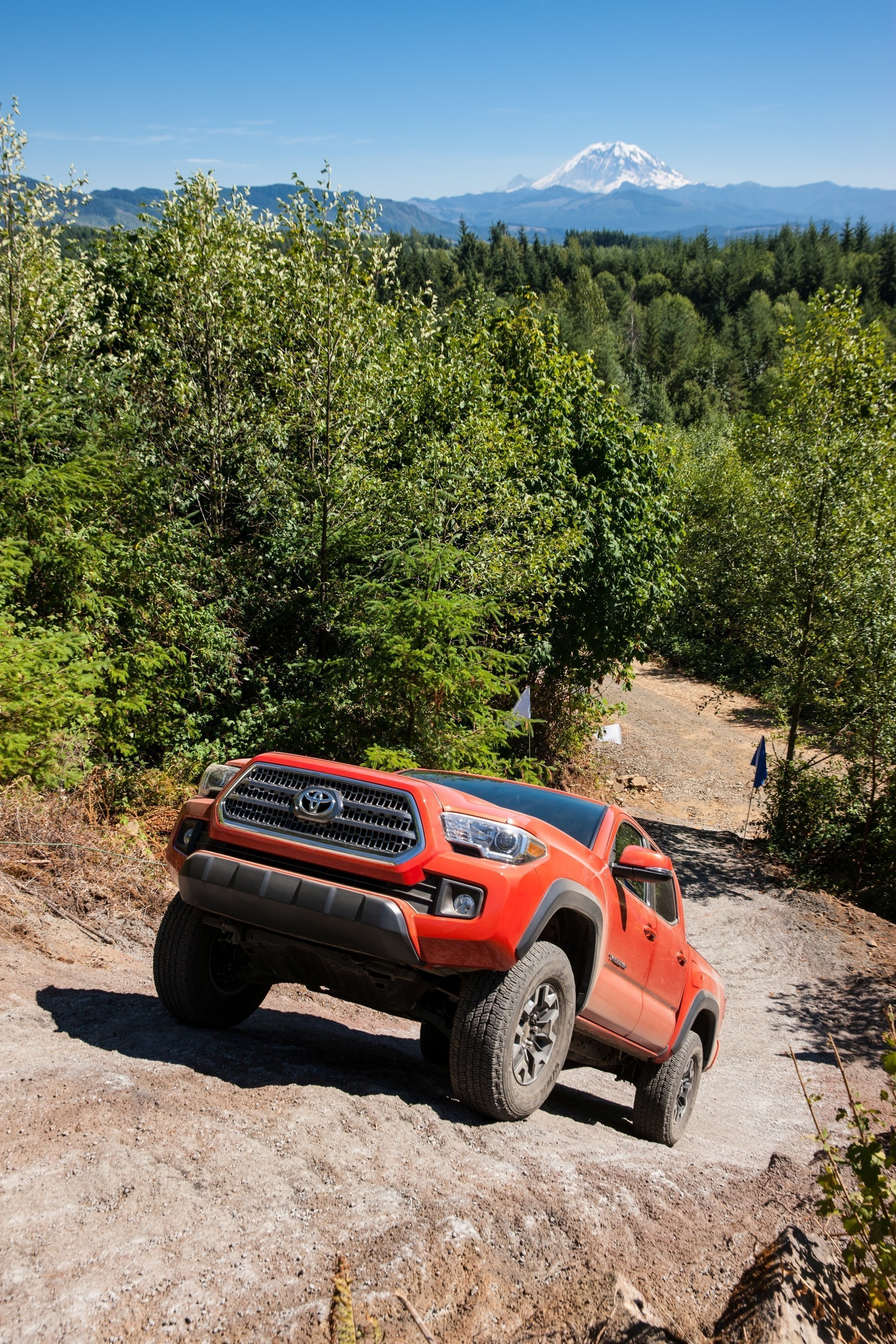 toyota chooses goodyear wrangler tires exclusively for 2016 tacoma trd off road grade. Black Bedroom Furniture Sets. Home Design Ideas