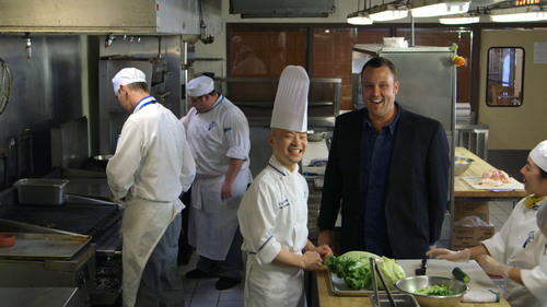 Food Network host Ben Vaughn offers restaurant food safety tips to help you avoid food poisoning when dining ...