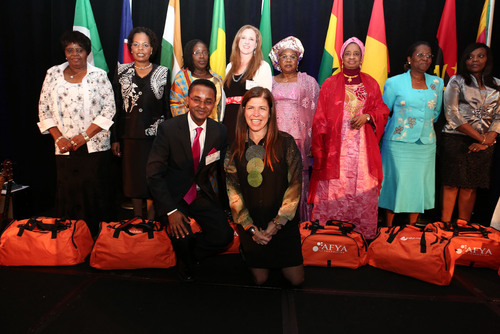 AFYA FOUNDATION DONATES DUFFELS OF MEDICAL SUPPLIES TO AFRICAN FIRST LADIES AT SUMMIT IN LOS ANGELES.  (PRNewsFoto/Afya Foundation)