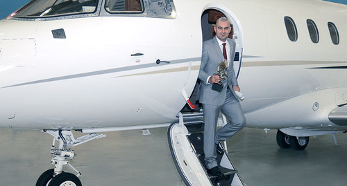 Paramount Business Jets Celebrates 10th Anniversary by Establishing New Scholarship Opportunity