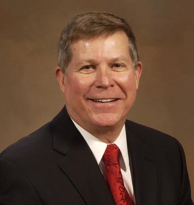 Robert J. Olson.  (PRNewsFoto/Winnebago Industries, Inc.)