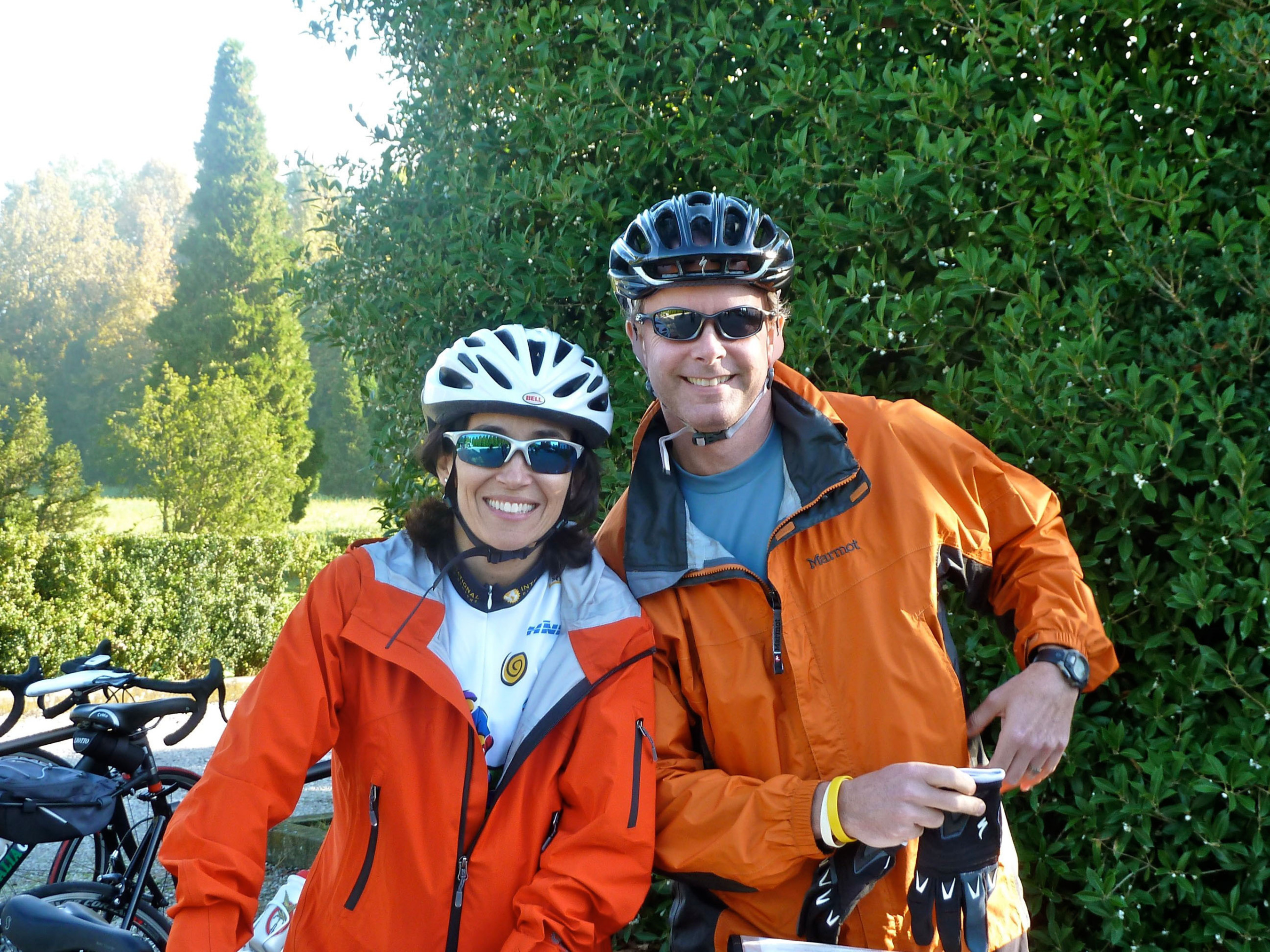 Happy cyclists on Bike the Wine Roads tour series.  (PRNewsFoto/Italiaoutdoors Food and Wine)