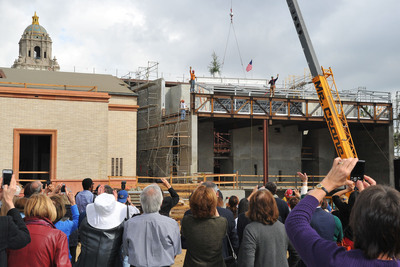 The Wallis Annenberg Center for the Performing Arts completed a major construction milestone with the last steel beam installed at the Topping Off ceremony in Beverly Hills.  (PRNewsFoto/Wallis Annenberg Center for the Performing Arts)