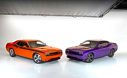 2013 Dodge Challenger R/T Classic (left) with Challenger SRT8 392 (right). (PRNewsFoto/Chrysler Group LLC) ...