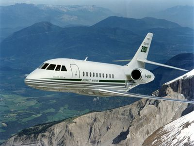 Original Falcon 2000 in flight in 1993
