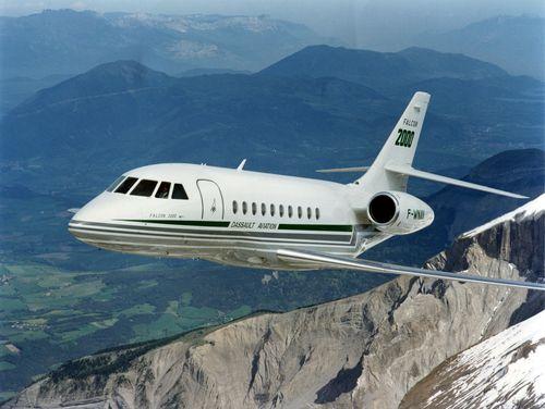 Original Falcon 2000 in flight in 1993 (PRNewsFoto/Dassault Falcon)