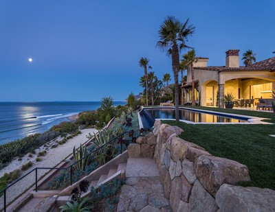 Malibu Beach House at MariSol Malibu, the award-winning 80-acre, 17 estate Malibu luxury residential community. Elevated on a 102 ft bluff with 130 ft of oceanfront over one of the best surf beaches in Malibu, is a brand new contemporary, Spanish-style, fully furnished, single-story masterpiece by famed architect Barry Berkus. (PRNewsFoto/MariSol Malibu)
