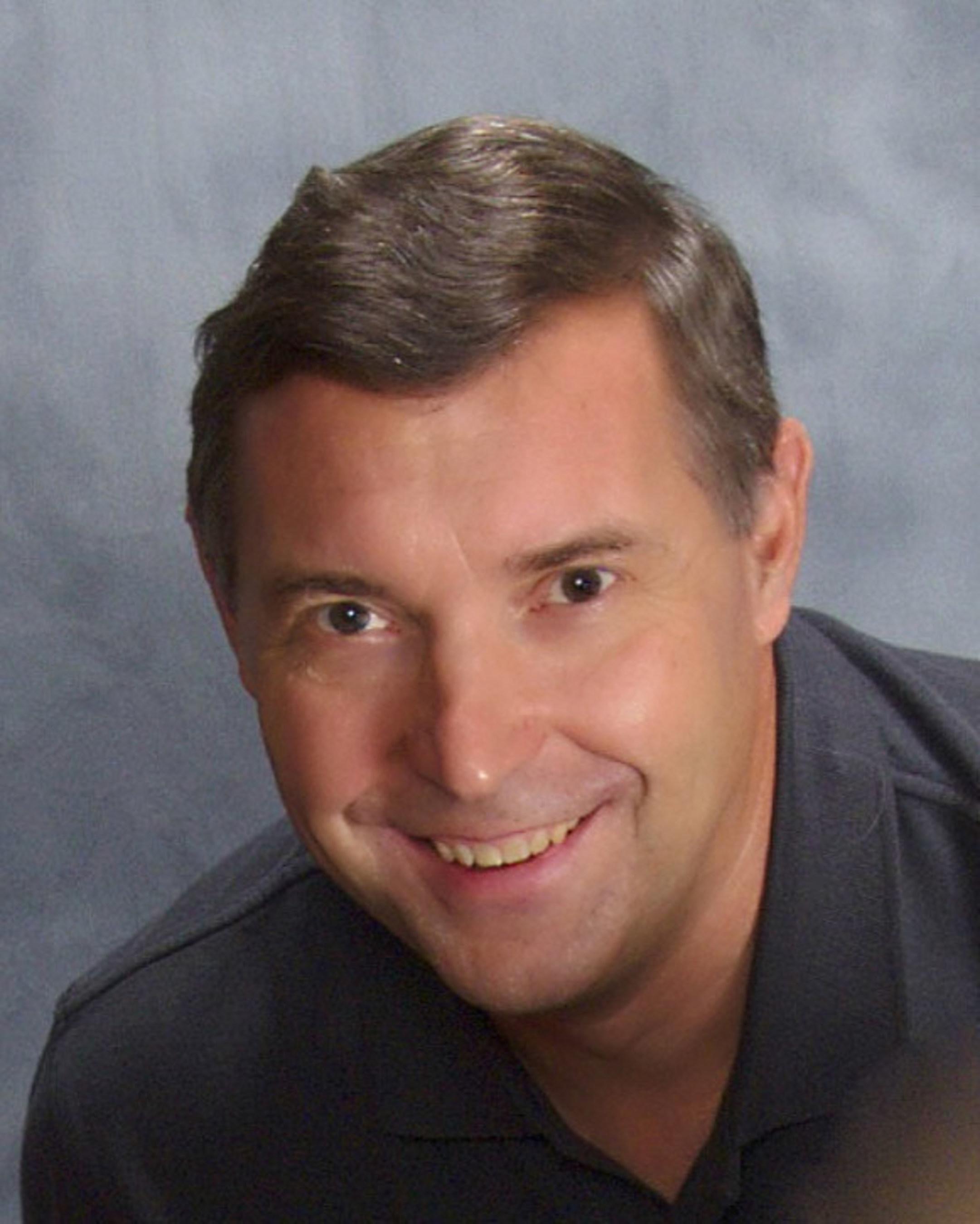 Ehemaliger Offizier eines Atom-U-Bootes zum Global Marketing Director von Maetrics ernannt, des