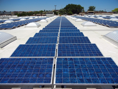 Smith's 102kW Rooftop Solar System.  (PRNewsFoto/Affordable Solar)