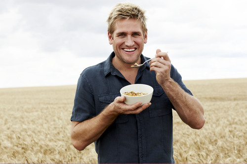 curtis stone wife or girlfriend. Chef Curtis Stone Teams Up