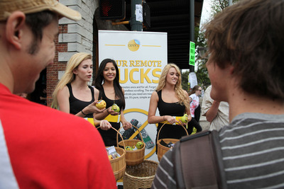 The Peel.com flash mob handed out 15,000 pears at SXSW in Austin, TX.  Peel Technologies Inc.  (PRNewsFoto/Peel)