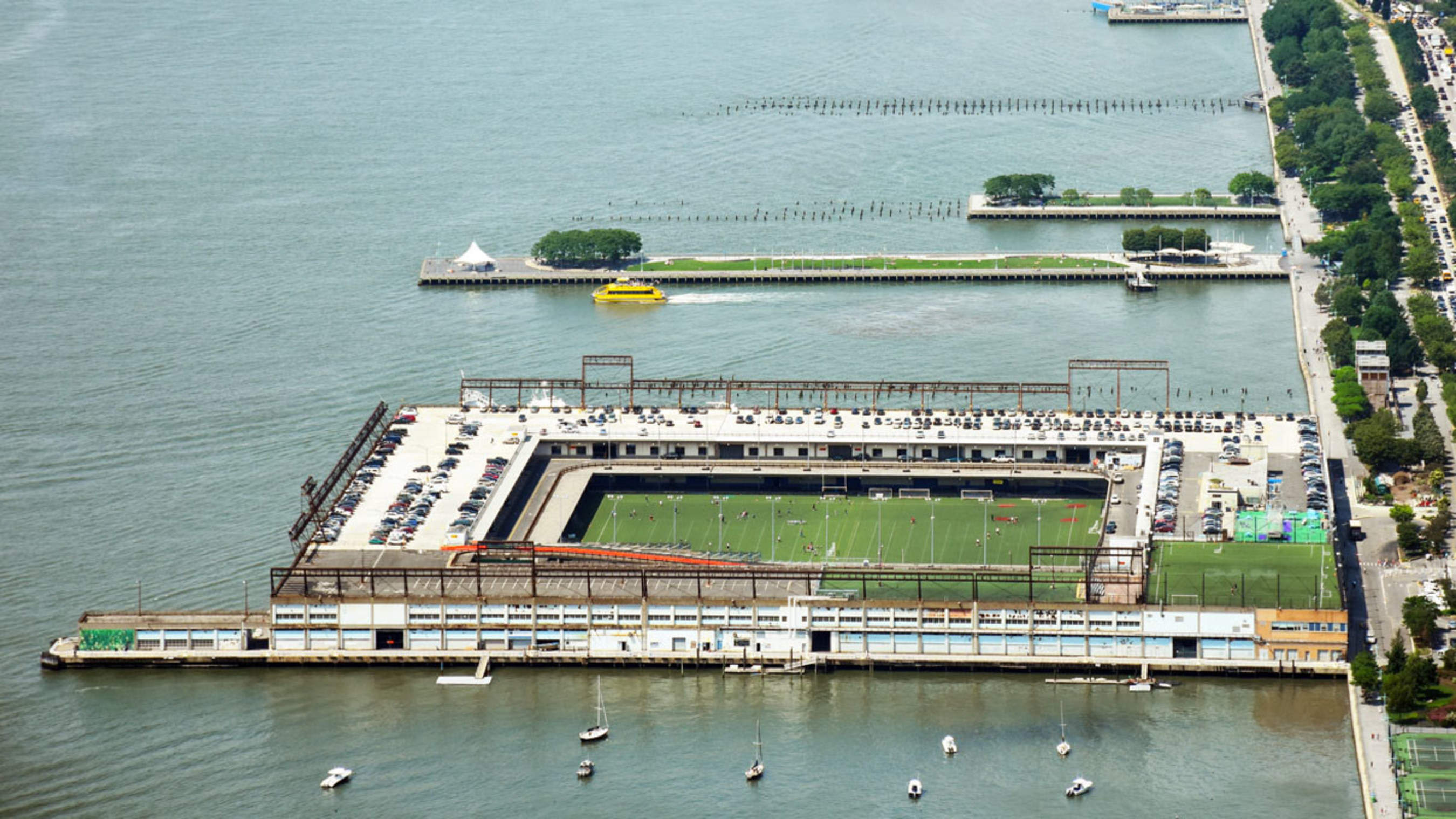 Hudson River Park Trust selects CH2M to design repairs for Pier 40 Support Piles