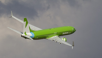 Kulula.com of South Africa is one of the latest airlines to install APB Split Scimitar Winglets. (PRNewsFoto/Aviation Partners Boeing)