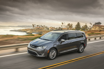2017 Chrysler Pacifica Limited scored highest possible marks in IIHS crash tests.