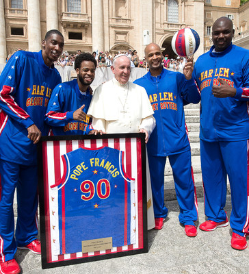 harlem globetrotters have an audience with pope francis name him ninth honorary harlem. Black Bedroom Furniture Sets. Home Design Ideas