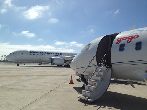 Gogo Goes Global: Partners with Japan Airlines to Deliver In-flight Internet. (PRNewsFoto/Gogo) (PRNewsFoto/GOGO)