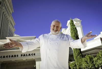 Chef Michel Richard of Central 24/7 at Caesars Palace.  (PRNewsFoto/Caesars Entertainment, Erik Kabik/Retna/erikkabik.com)