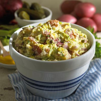 Quick & Healthy Classic Potato Salad.  (PRNewsFoto/United States Potato Board)