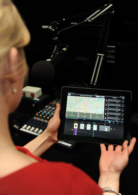 INRIX TV app cuts the cost and complexity of traffic news reporting for broadcasters with simple iMovie style content creation, editing and broadcast app on iPad.  INRIX TV is powered by the same traffic information relied on by leading automakers, nav app providers and DOTs worldwide.  (PRNewsFoto/INRIX)