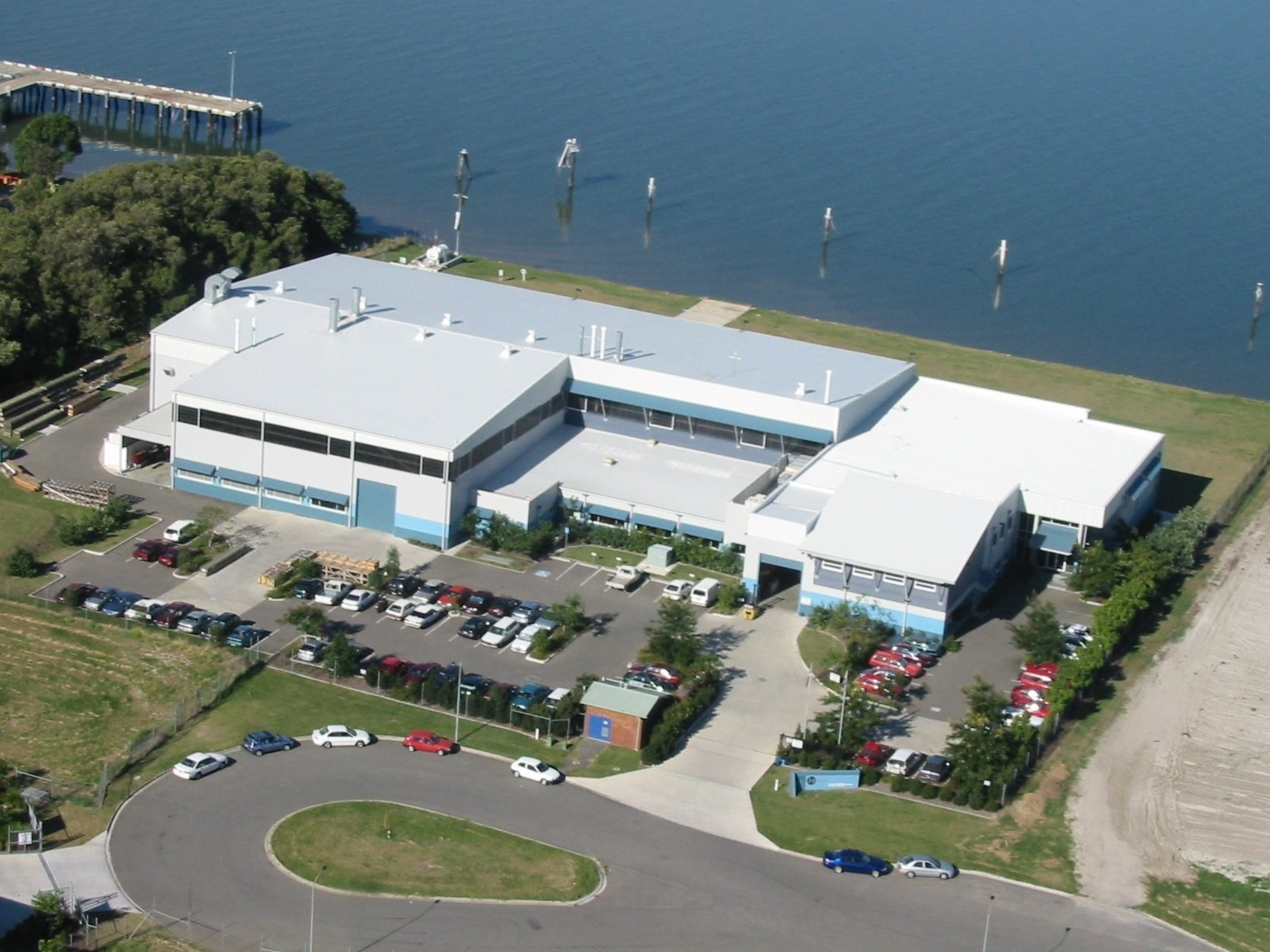 Sikorsky has opened an expandable 3,500-square-foot Forward Stocking Location in Brisbane, Australia, at Sikorsky Helitech, a Sikorsky company. The new FSL will support Sikorsky S-92(R) and S-76(R) helicopter fleets. Supplementing this new initiative, Sikorsky Helitech has placed a full- time representative in Perth, Western Australia. For any support enquiries, please call +61 1800 435 483 (1-800 HELITECH)
