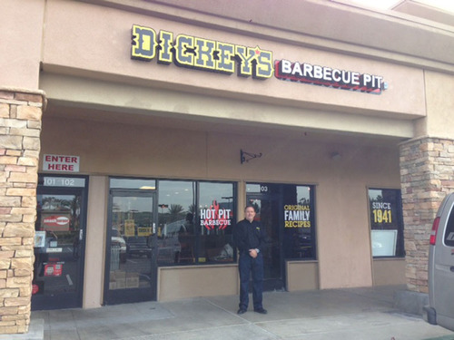 Dickey's Barbecue Opens in San Marcos with a 3-day party! (PRNewsFoto/Dickey's Barbecue) (PRNewsFoto/DICKEY'S BARBECUE)