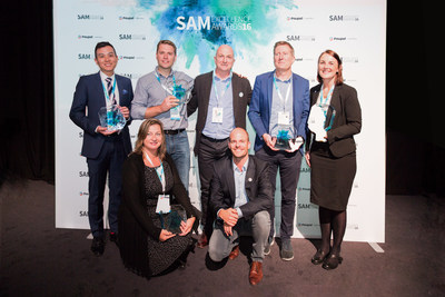SAM 2016 Winners: Standing (left to right): Ying Ho Lee, Marketing Manager, Synthomer; Michael Bush, Marketing Communications Manager, Fujifilm; Graham Leeson, Head of Communications & Sales Enablement - Fujifilm Graphic Systems Europe, Fujifilm; Garrett Dalton, Co-Director of Multi-Channel Marketing Communications, bioMerieux; Hayley Paterson, Senior Global Marketing Executive, IndigoVision -- Front row (left to right): Claire Dupuy, Brand Strategy & Social Media Manager, bioMerieux; Pieterjan Bouten...