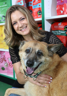 "Lisa Senafe, co-founder of Bentley's Pet Stuff, is proud to receive the award for ""Retailer of the Year."""