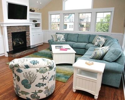 """Living room of Outer Banks rental #1234 """"PATTI O'DUCK"""" (PRNewsFoto/Southern Shores Realty)"""