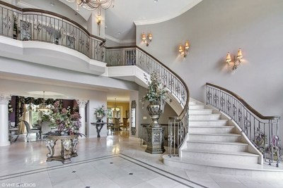 The beautiful and opulent entrance to the home