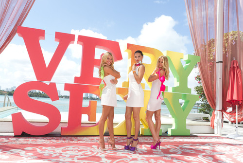 VICTORIA'S SECRET ANGELS Introduce the Very Sexy collection with Very Sexy Tour.  (PRNewsFoto/Victoria's Secret)
