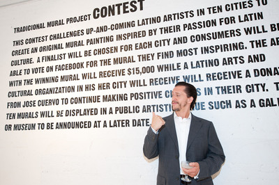 Critically acclaimed actor and director, Clifton Collins Jr., celebrated with Jose Cuervo Tradicional at the launch of its Tradicional Mural Project. The program was created to celebrate the richness of Latin culture and inspire artists and communities to look to the future and share their hopes and dreams for their community.  (PRNewsFoto/Jose Cuervo)