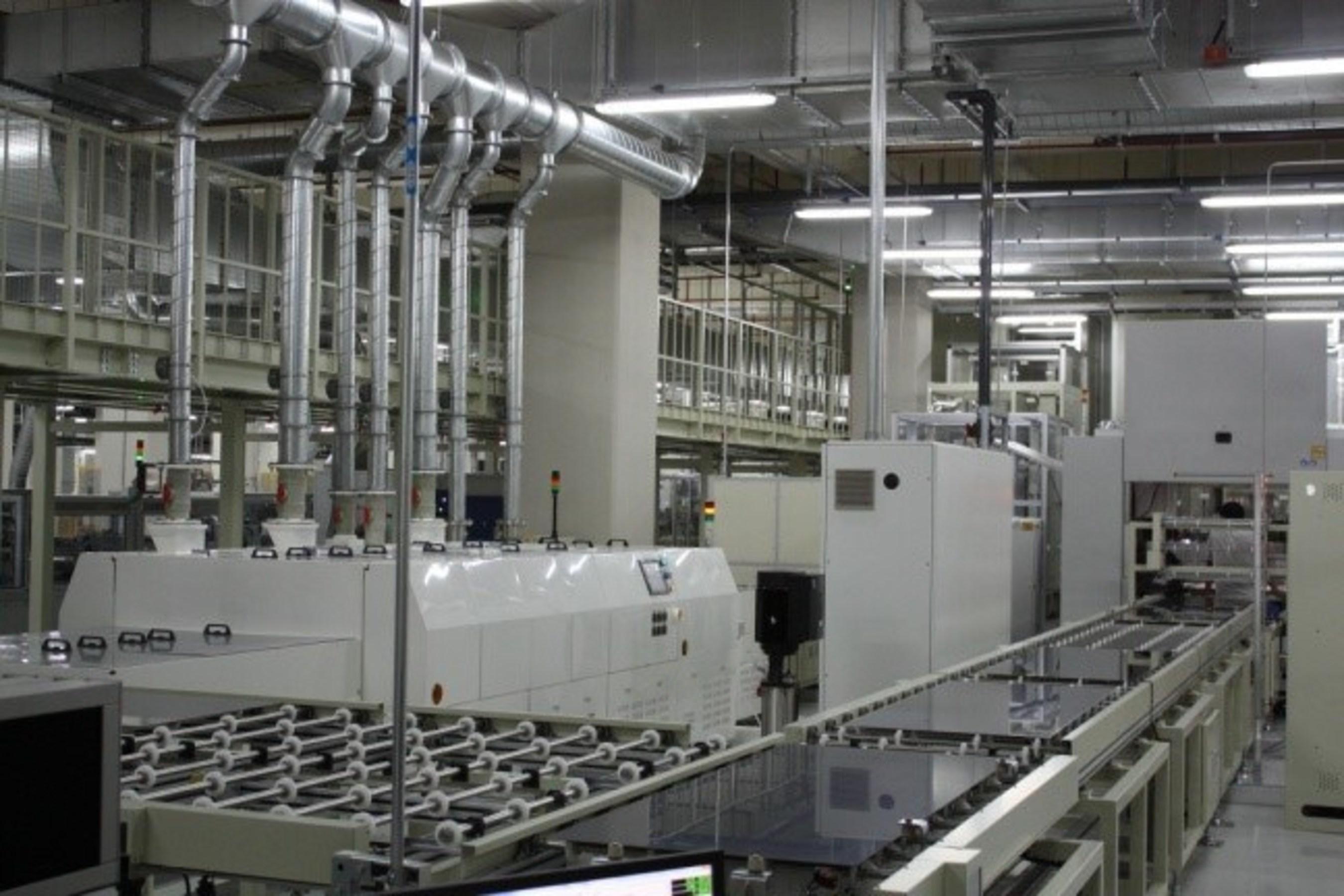 Module in handelsüblicher Größe (1,09 m2) von TSMC Solar stellen Rekord für CIGS-Module von 16,5 %
