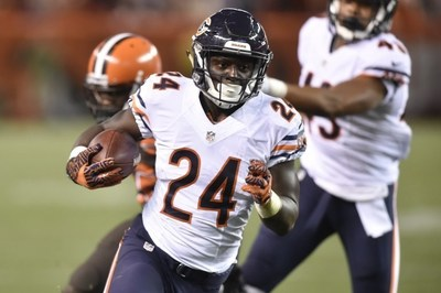 Chicago Bear Jordan Howard joins the fight agains pulmonary fibrosis at the Pulmonary Fibrosis Foundation's Volunteer Conference on Wednesday, November 9 in Chicago.