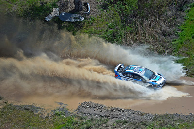 Subaru Driver David Higgins win 2015 Oregon Trail Rally, extending his Rally America Championship lead.