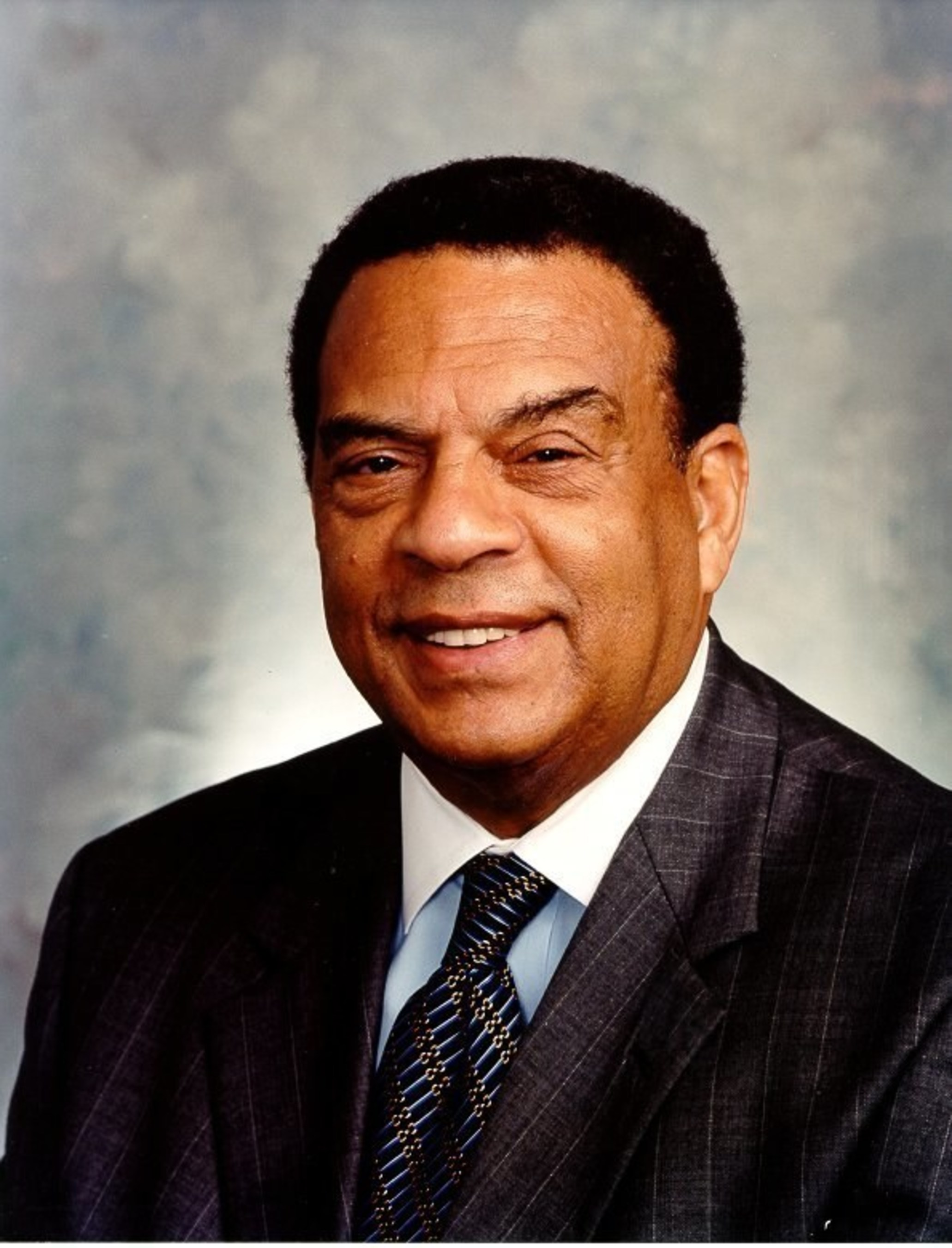 Former Atlanta Mayor and U.S. Ambassador Andrew Young has sent a powerful letter to Gov. Deal and House Speaker Ralston calling for a repeal of Georgia's water fluoridation law, which remains in effect despite burgeoning evidence that drinking fluoride chemicals is not safe nor is it effective for cavity reduction.