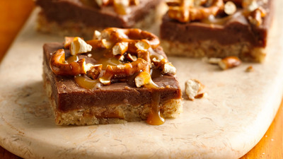 Chocolate Peanut Butter Pretzel Bars, an original recipe by Anita Van Gundy of Des Moines, Iowa, will compete for $1 million in the 46th Pillsbury Bake-Off(R) Contest in Las Vegas this November. Credit: Pillsbury.(PRNewsFoto/Pillsbury)