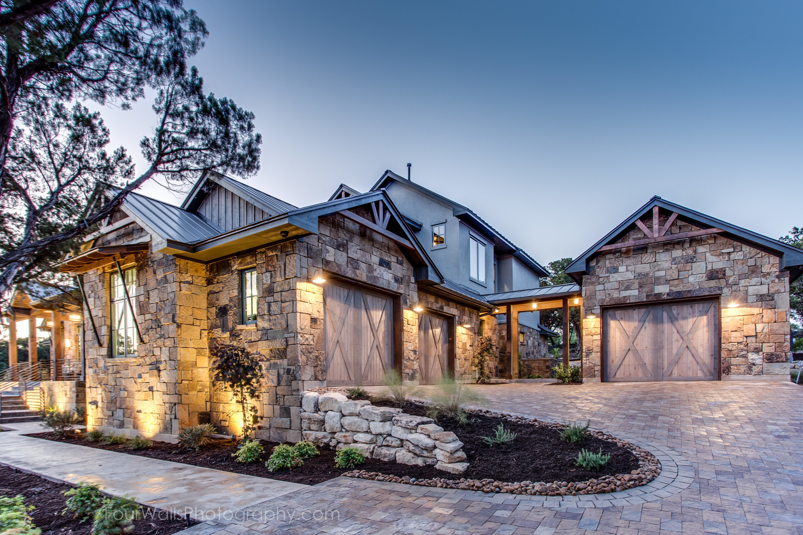 Builder Earns 10 of 15 Awards at Austin Tour of Homes