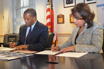 U.S. Department of Commerce Minority Business Development Agency (MBDA) National Director Alejandra Y. Castillo and Operation HOPE founder, chairman and CEO John Hope Bryant, signed a memorandum of understanding at the MBDA headquarters in Washington, DC.