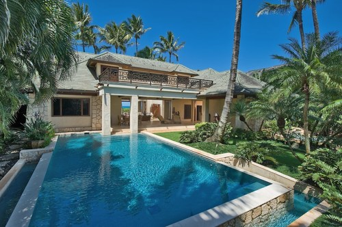 Tranquil Hawaiian Escape Built Along Surfing Mecca '7-Mile Miracle,' A Revered Stretch Of Coastline