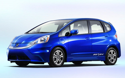 Previously a hybrid, the 2014 Honda Fit is now offered in a fully-electric option.  (PRNewsFoto/Benson Honda)