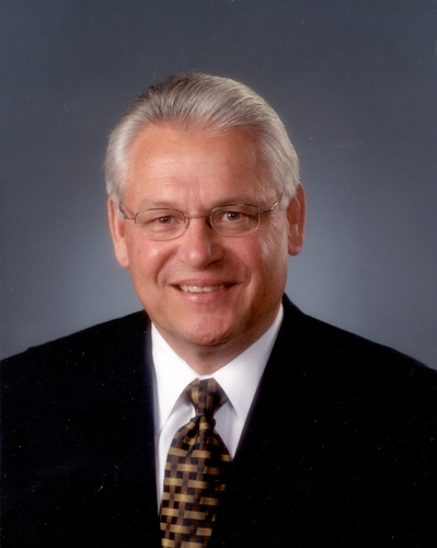 CHS CEO Johnson to Retire at Year End